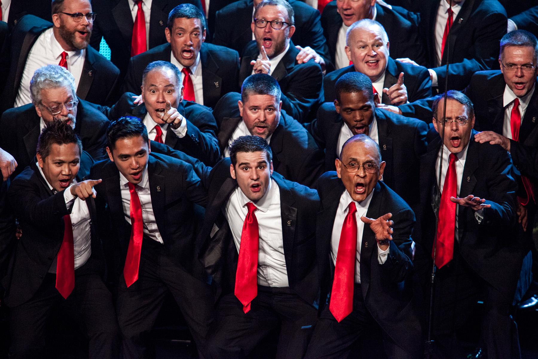 Gay men's chorus of los angeles presents holiday spectacular